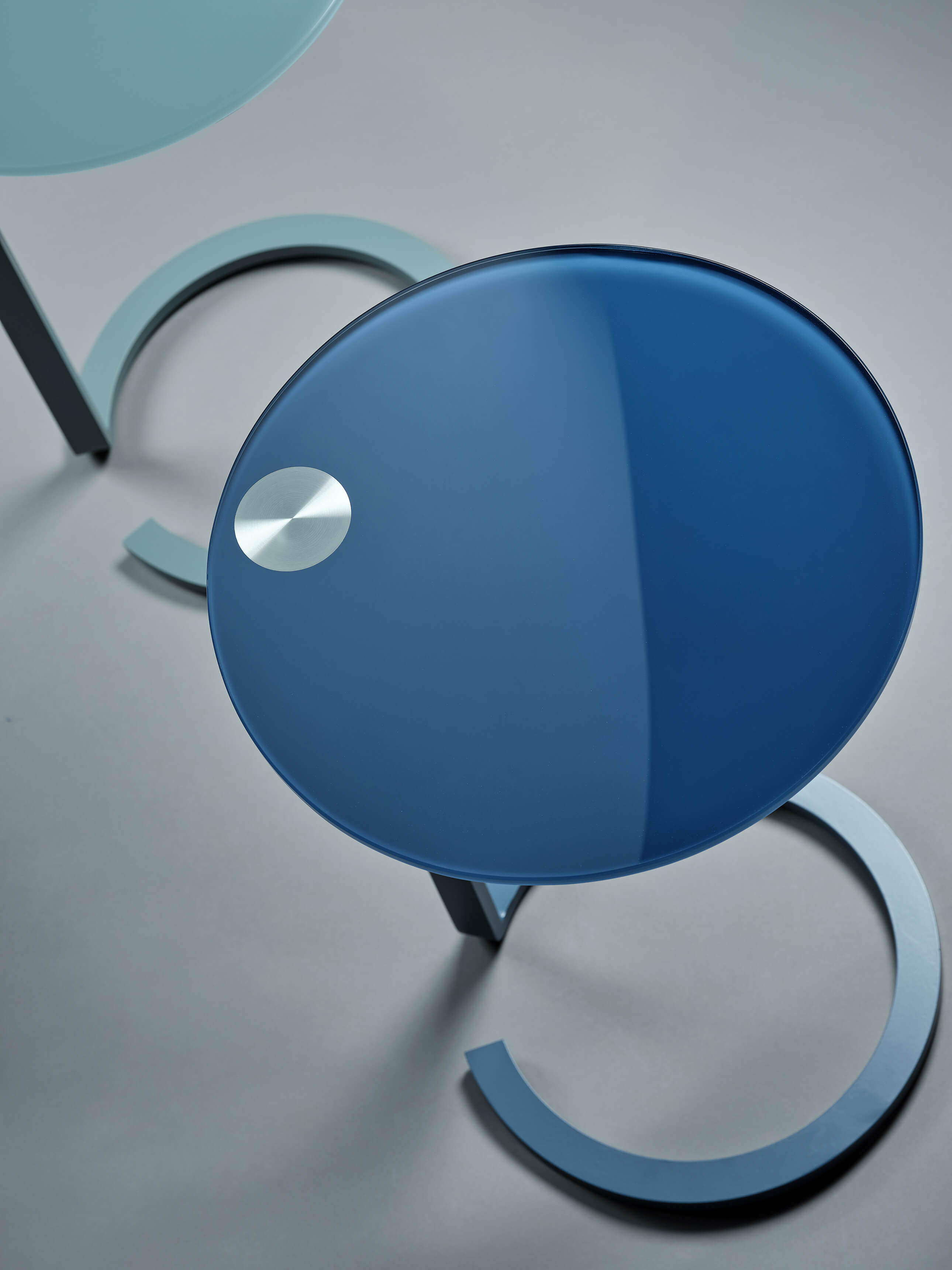 Table d'appoint verre bleu, Living Rom